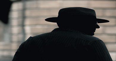 La Mirada ficha al detective Pacheco