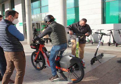 Alcobendas firma con cinco operadoras de alquiler de patinetes y bicicletas eléctricas